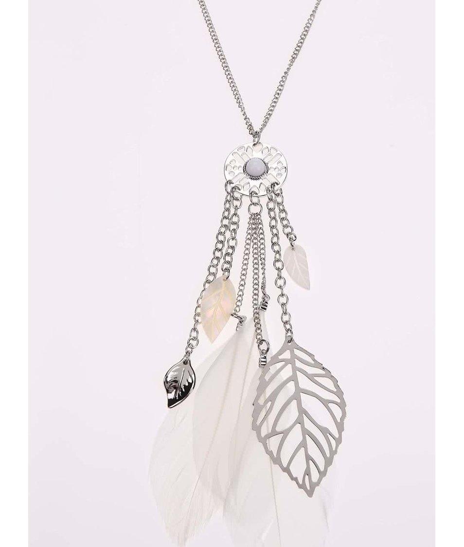 Náhrdelník ve stříbrné barvě s bílými pírky Madonna Suzie