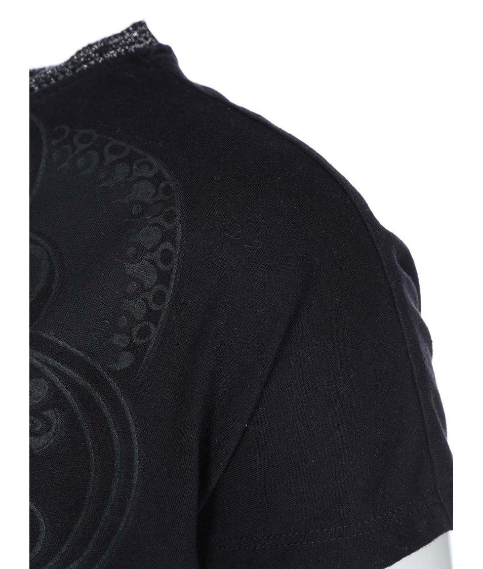 Černé tričko s potiskem ONLY Mickeela
