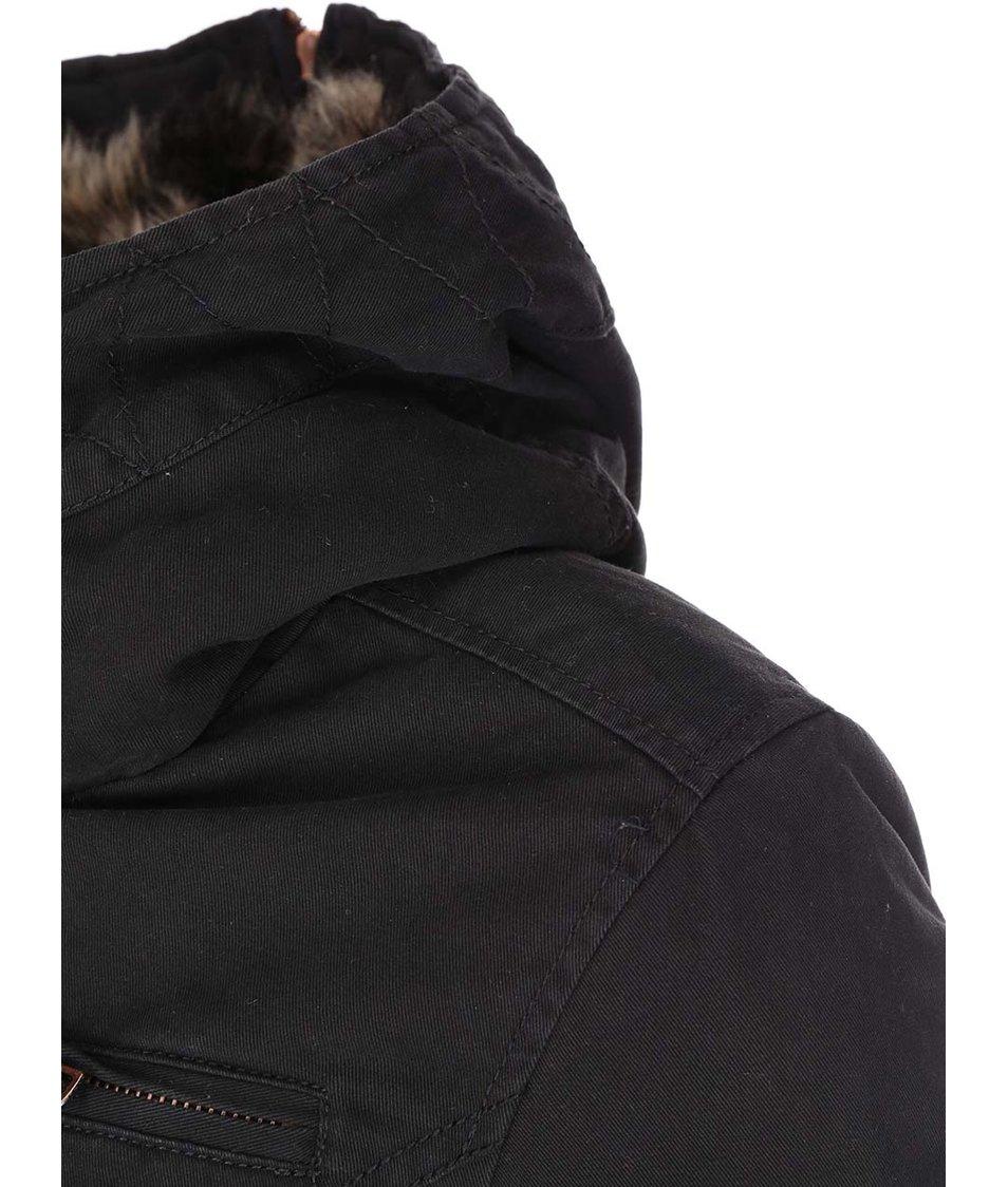 Černá parka s kapucí ONLY Rebecca