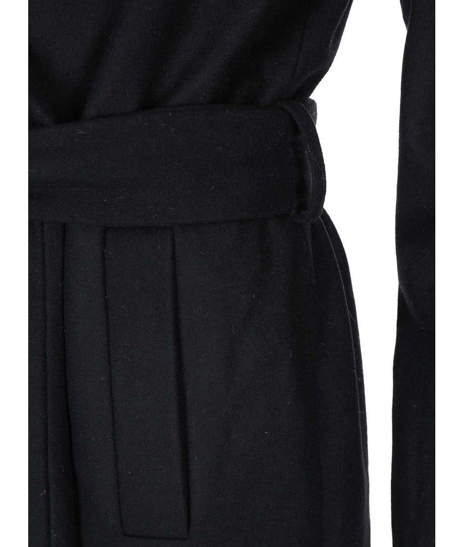 Černý kabát ONLY Drapy