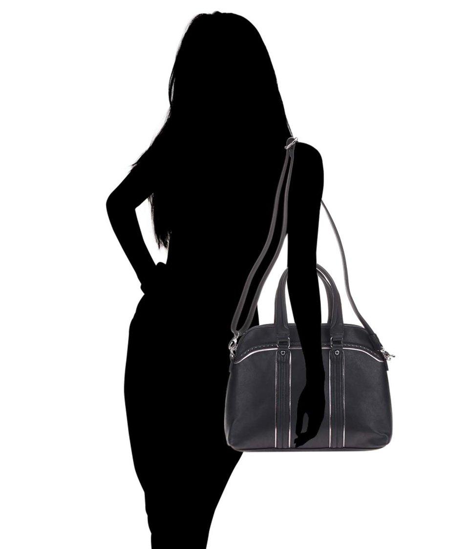 Černá dámská kabelka s odnímatelným popruhem Tamaris Finja