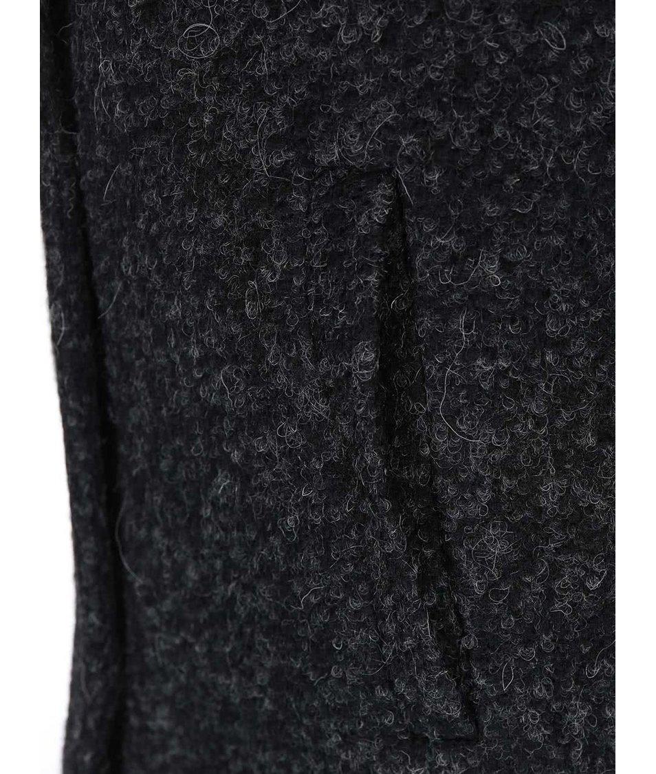 Černý žíhaný kabát ONLY Indie