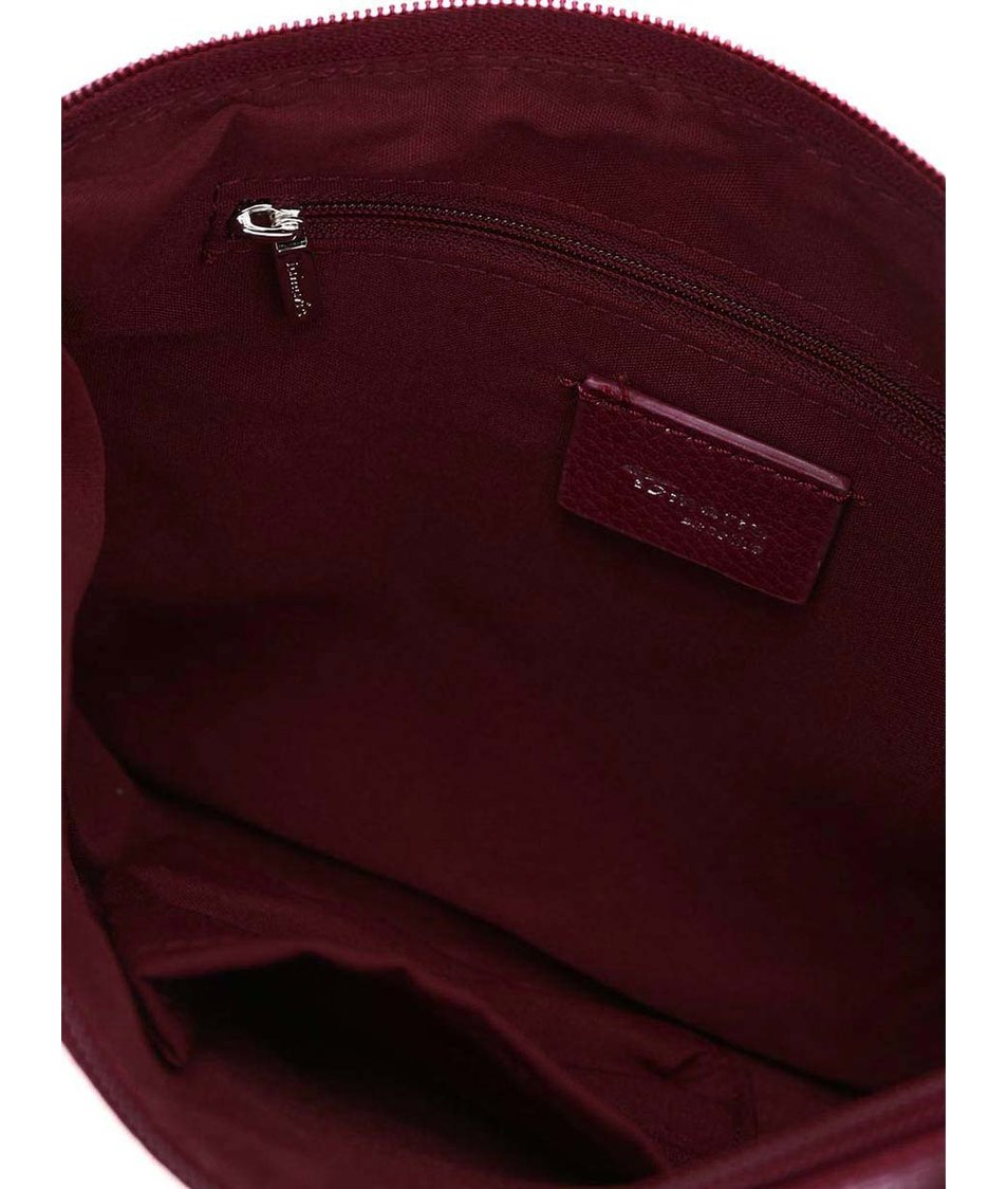 Vínová menší kabelka přes rameno Tamaris Alina