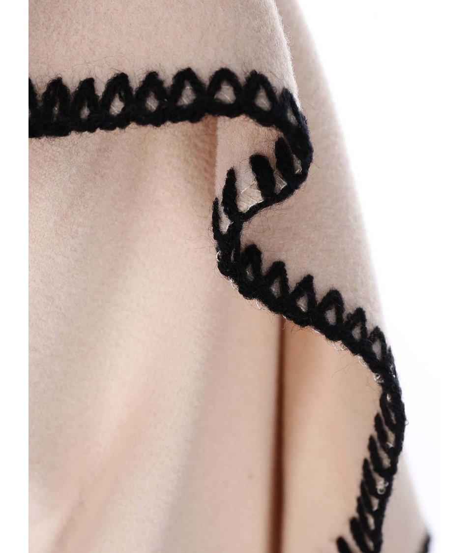 Krémový kabát se širokým límcem Lavand