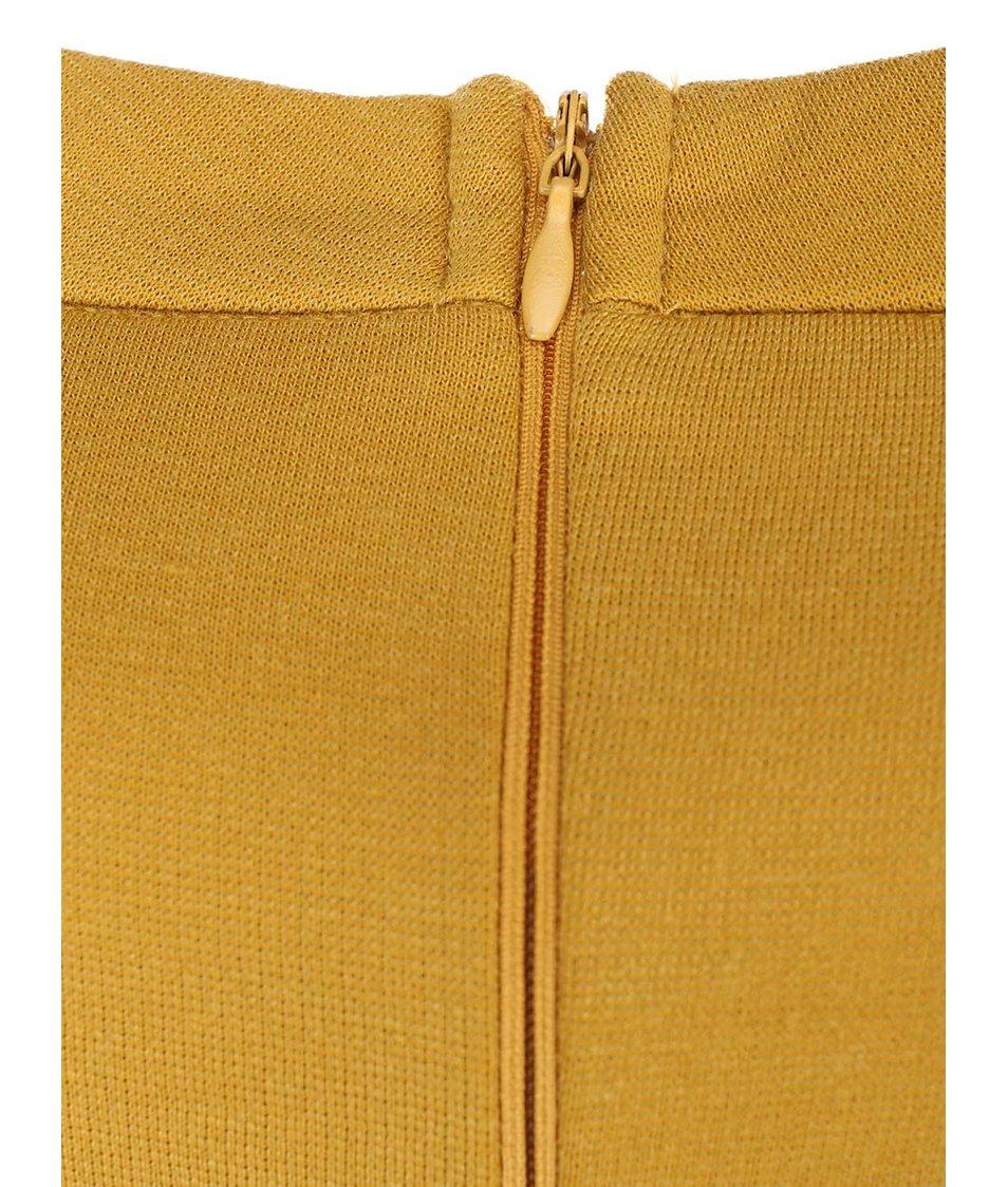 Hořčicové přiléhavé šaty s dlouhými rukávy AX Paris
