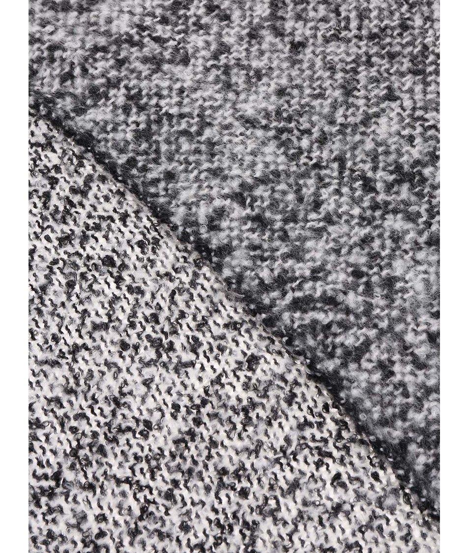 Černo-bílá žíhaná šála Vero Moda Kanna