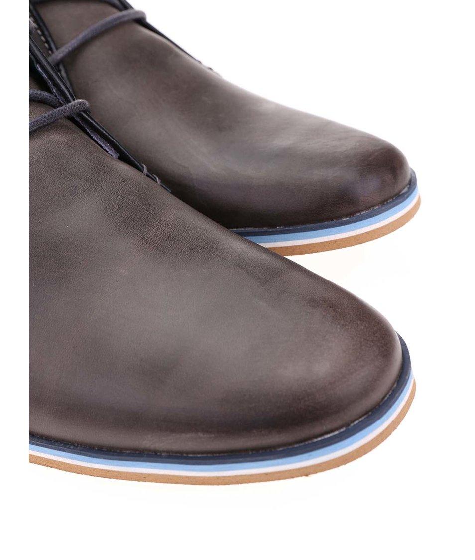 Šedohnědé pánské kožené kotníkové boty s modrým pruhem Bullboxer