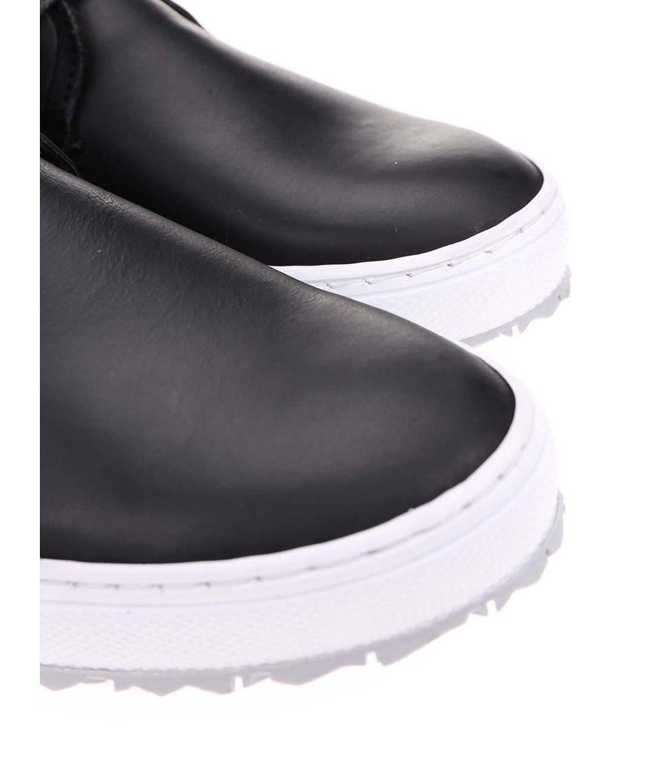Černé pánské kožené kotníkové tenisky s bílou podrážkou Bullboxer