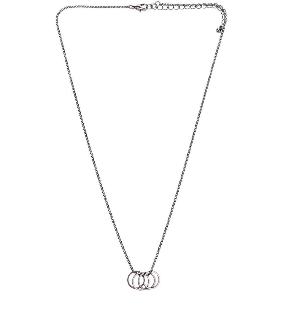 Náhrdelník s kroužky ve stříbrnočerné barvě Vero Moda Amalia