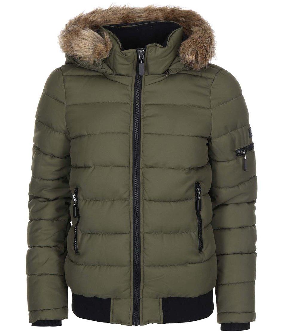 Tmavě zelená prošívaná bunda s kožíškem Vero Moda Sandra