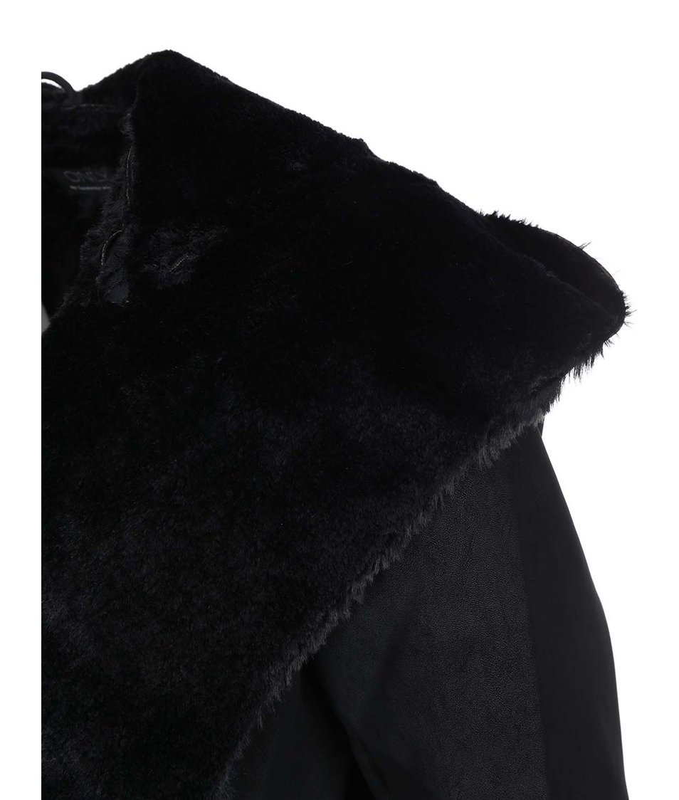 Černý kabát na zavazování s kožíškem ONLY Carrie