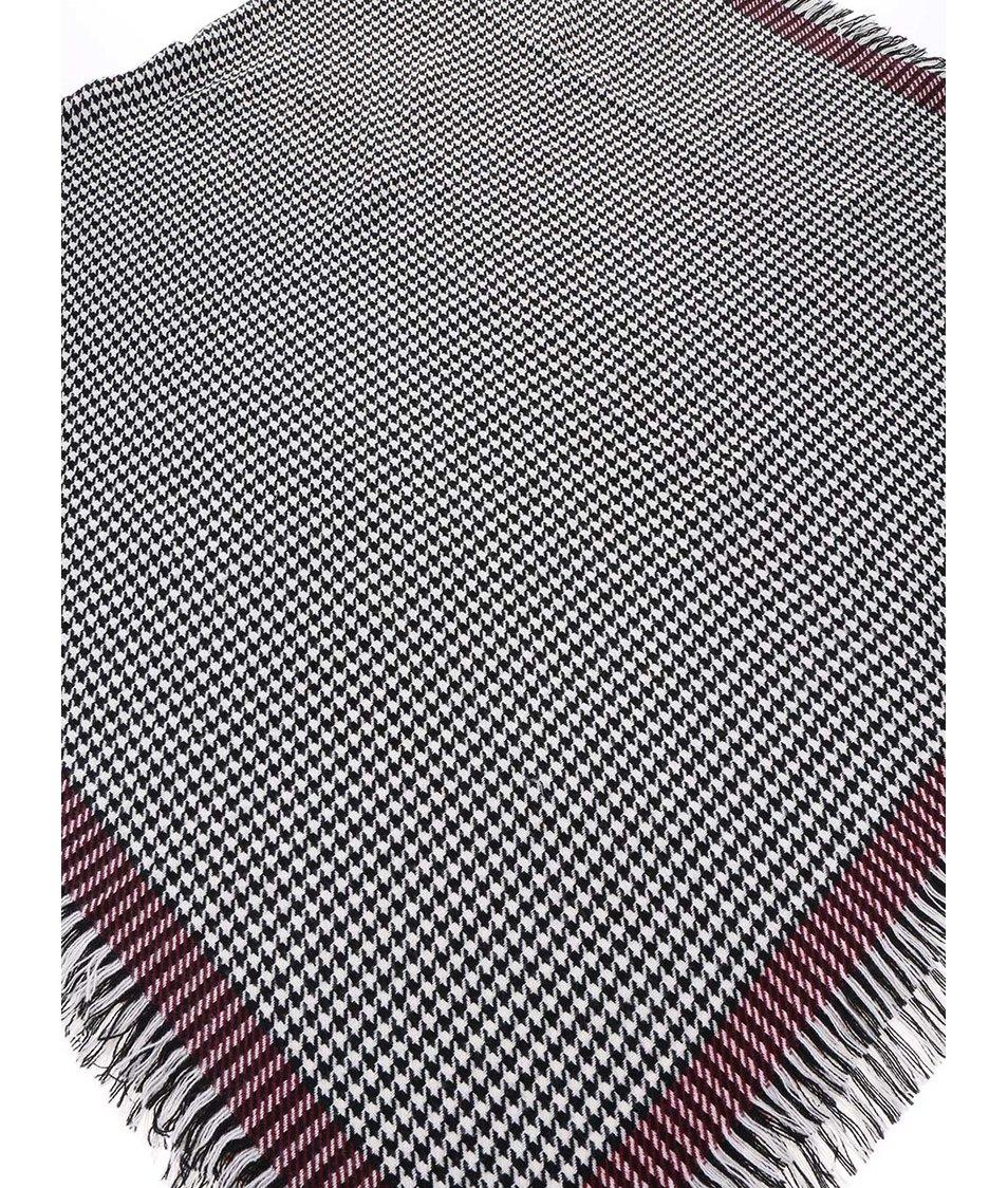 Černo-bílá vzorovaná šála s vínovým okrajem ONLY Sydney