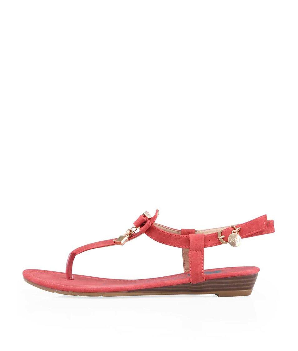Červené sandálky s ozdobeným nártem Xti