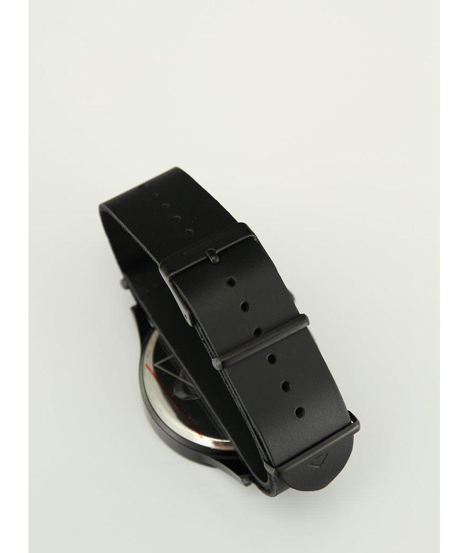 Černé pánské kožené hodinky Komono Magnus The One