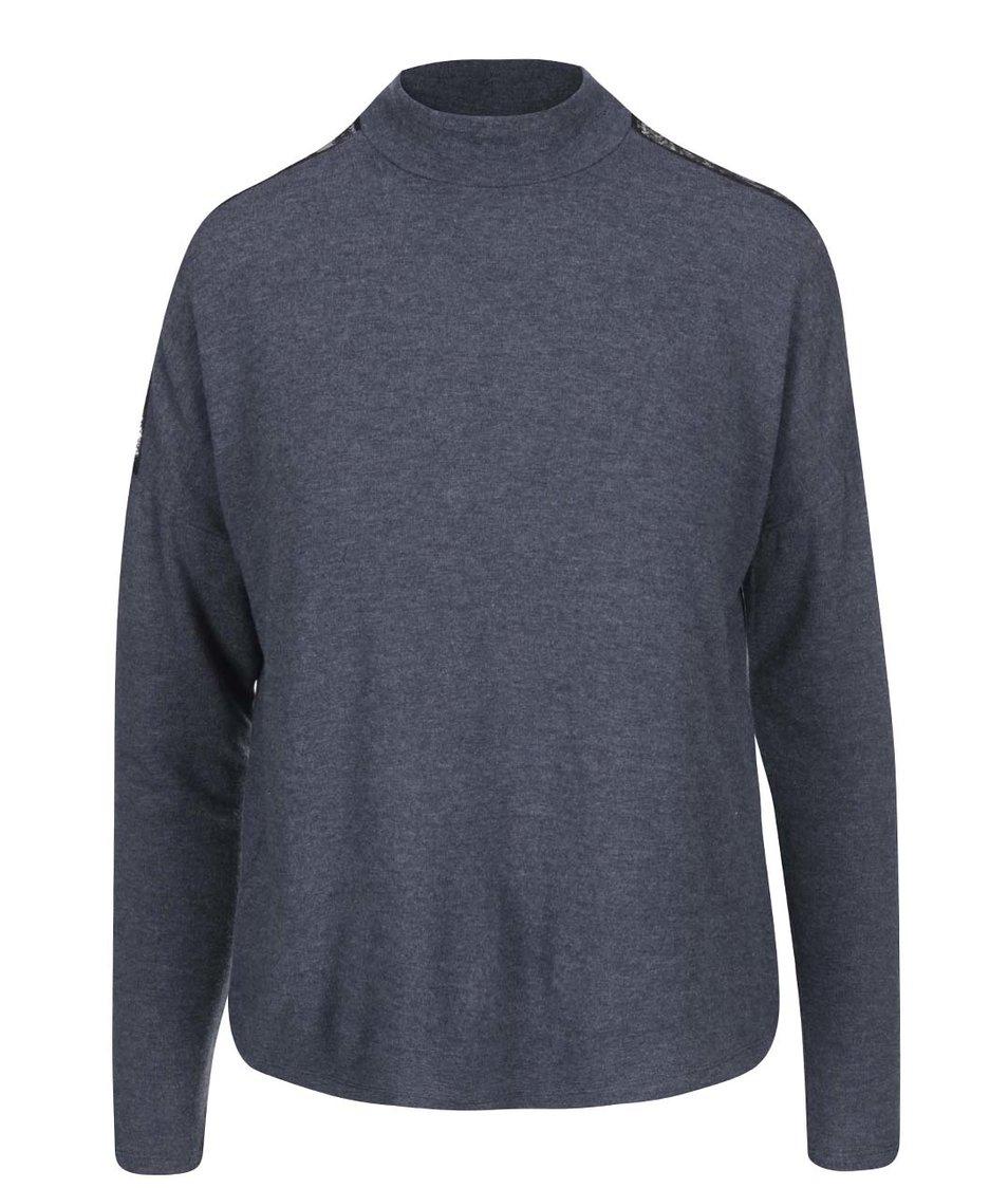 Tmavě modrý volnější svetr s detailem krajky ONLY June