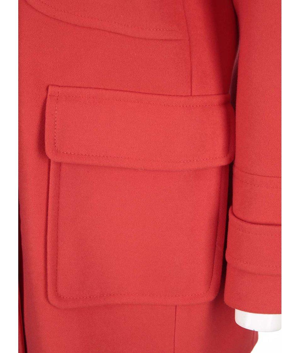 Červený kabát s vysokým límcem Dorothy Perkins