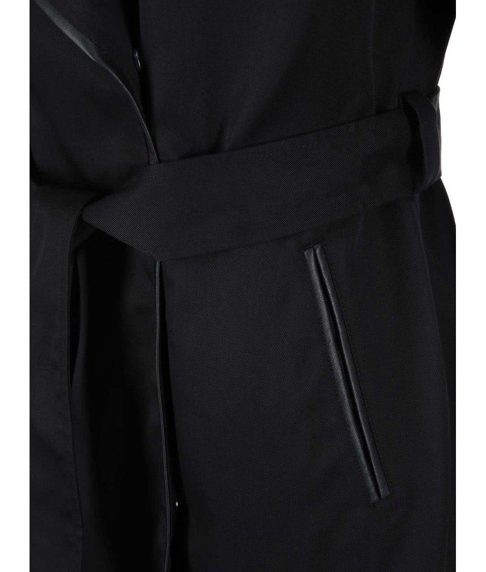 Černý kabát se zavazováním Vero Moda Vivo