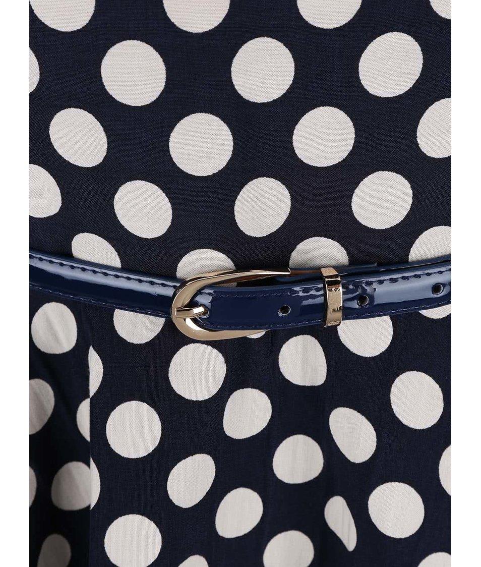 Tmavě modré puntíkované šaty s páskem Closet