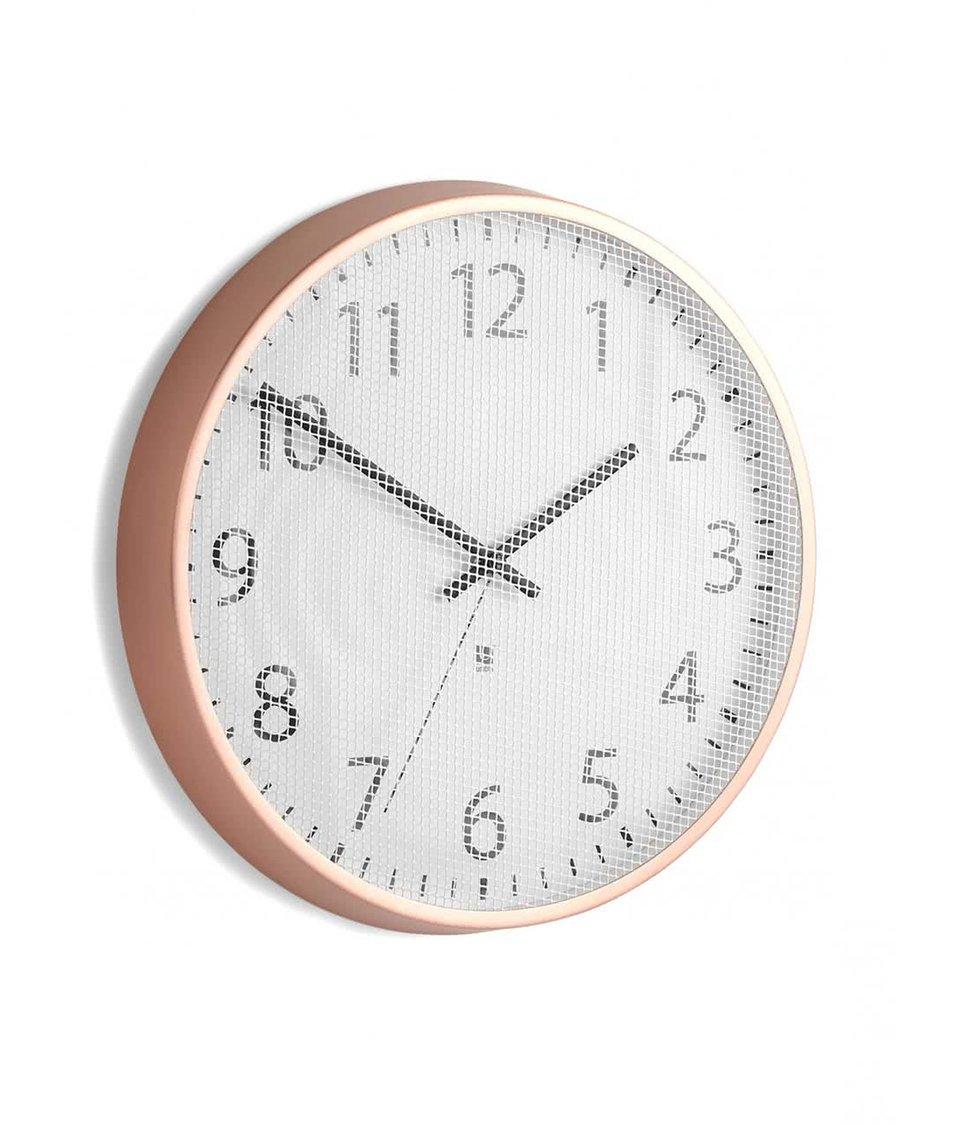 Bílé nástěnné hodiny s rámem v bronzové barvě Umbra Perftime