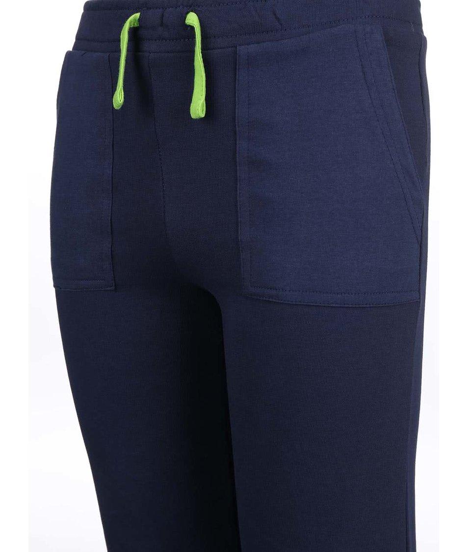 Tmavě modré dětské tepláky se zelenou tkaničkou Blue Seven