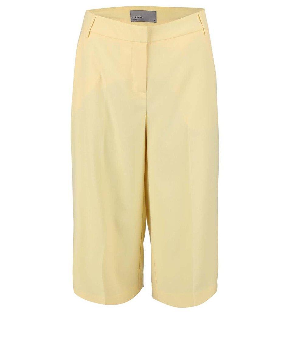 Světle žluté tříčtvrteční kalhoty Vero Moda Roro