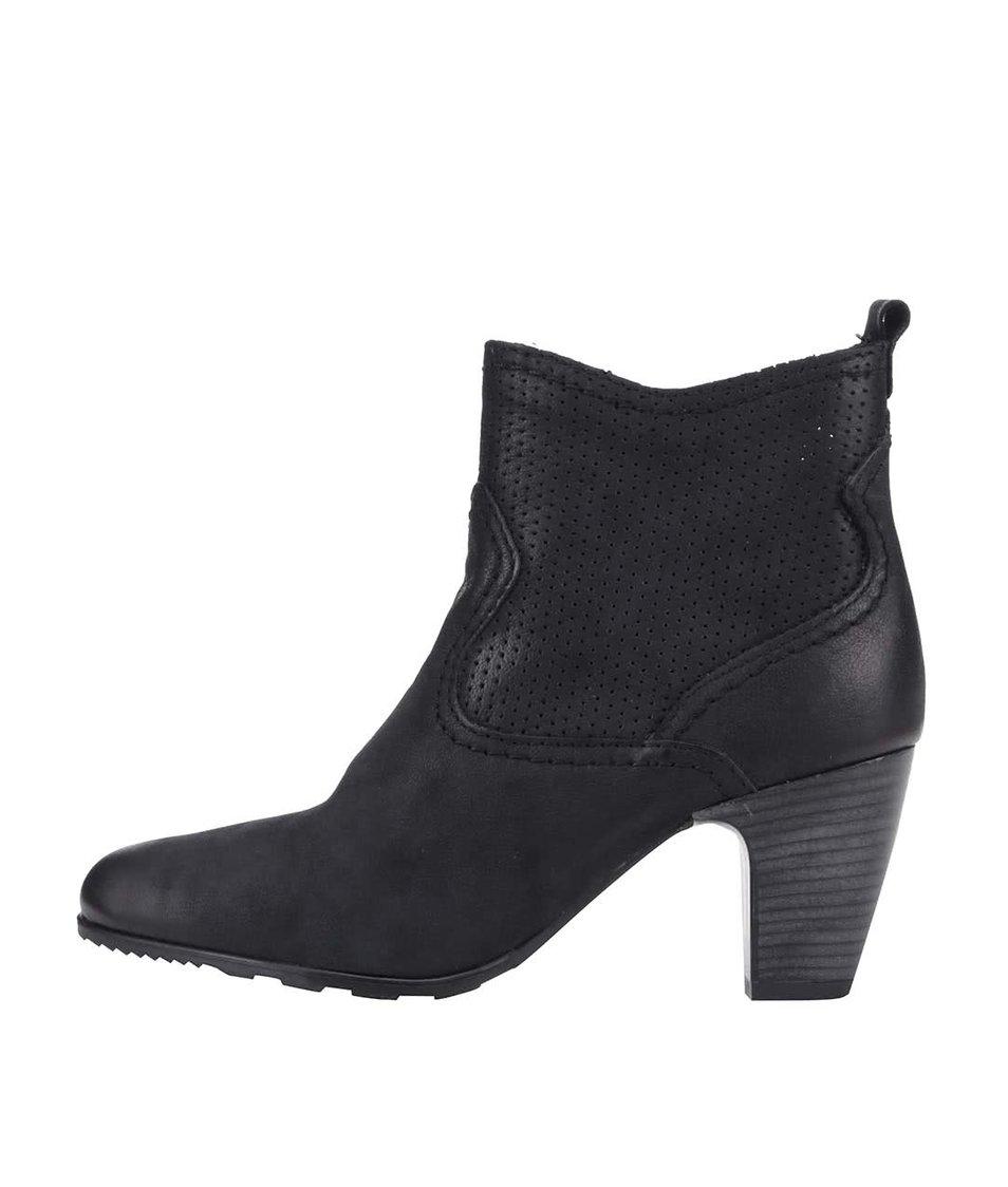 Černé dámské kožené kotníkové boty na podpatku s.Oliver