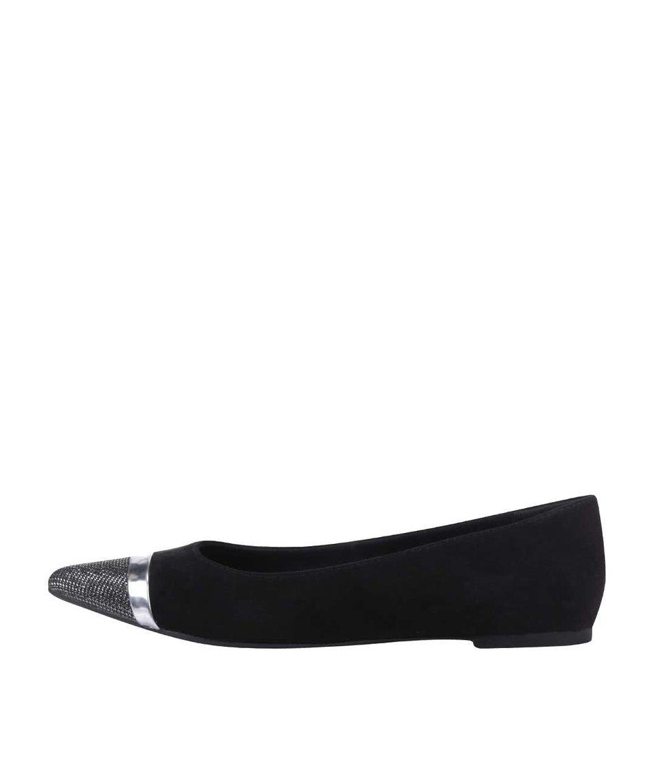 Černé balerínky se špičkou v stříbrné barvě Tamaris