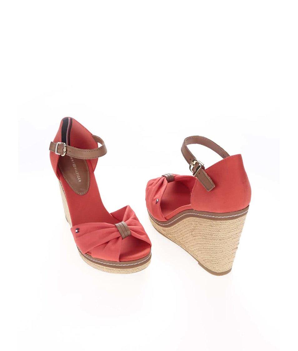 Červené dámské boty na klínku Tommy Hilfiger - SLEVA!  77fb9bd21f