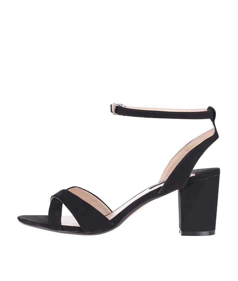 Černé sandály s páskem kolem nártu Dorothy Perkins