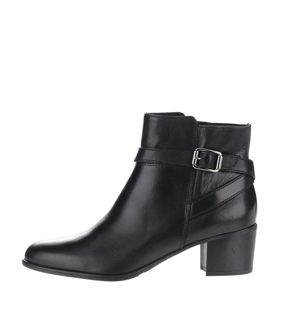 Černé kožené boty s přezkou Tamaris