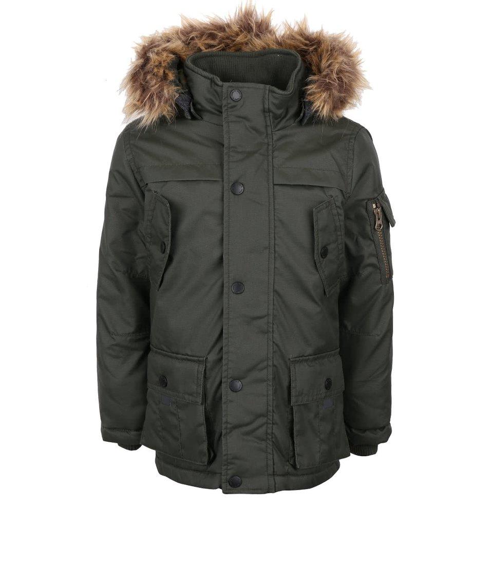 Tmavě zelená holčičí bunda s kapucí a kožíškem name it Max