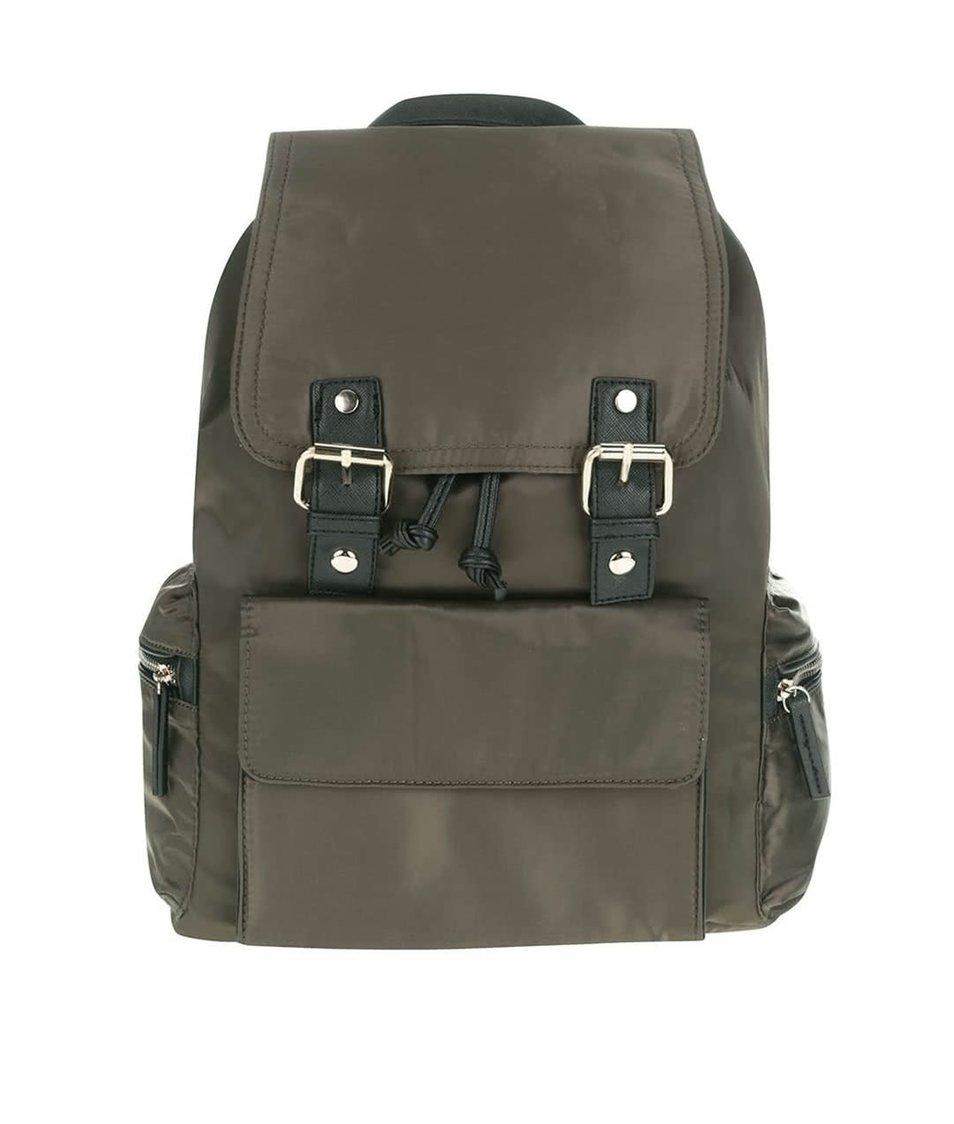 Tmavě zelený batoh s detaily v černé a zlaté barvě Miss Selfridge