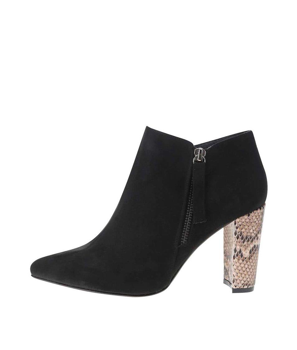 Černé kotníkové boty s hadím vzorem v semišové úpravě OJJU