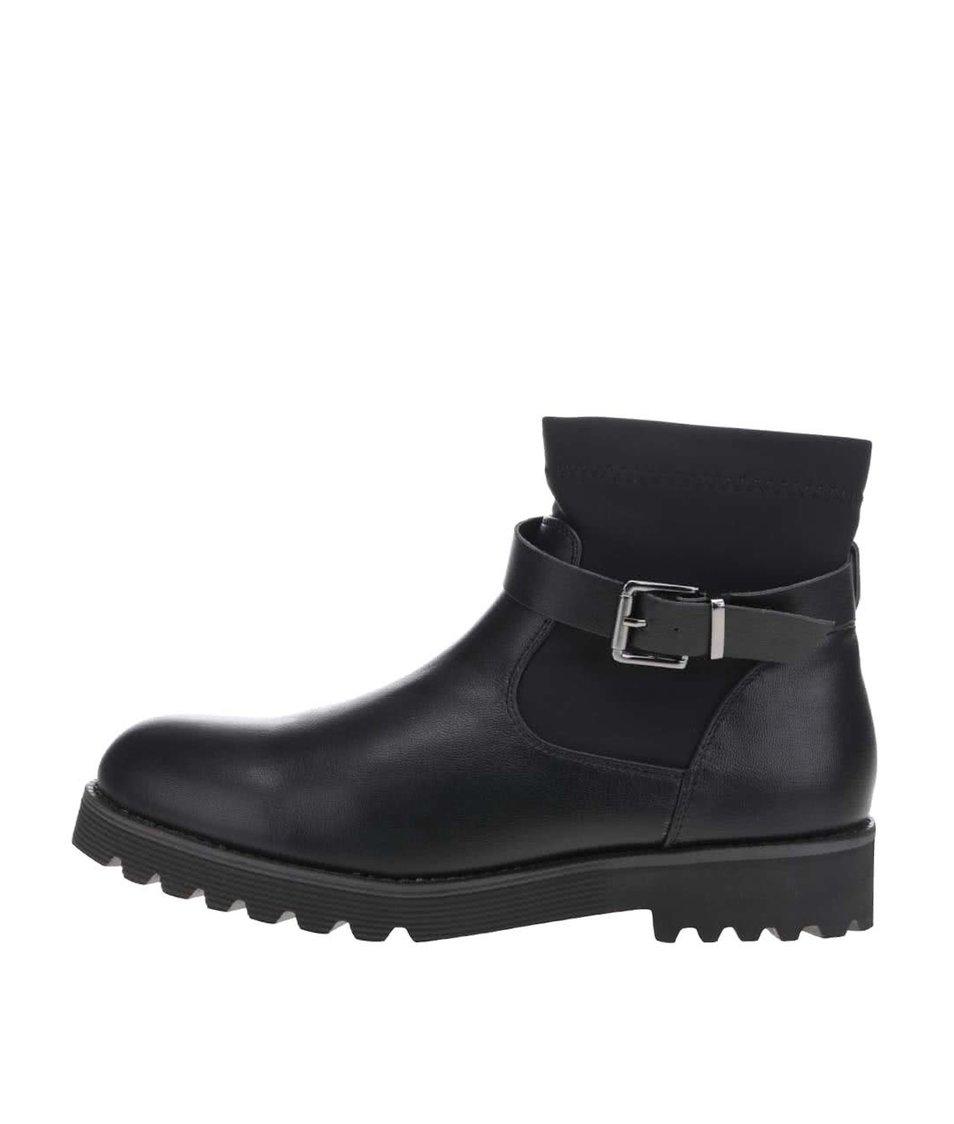Černé kotníkové boty s přezkou Pieces Daly