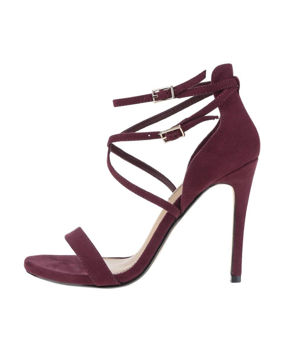 Vínové sandálky v semišové úpravě na jehlovém podpatku Miss Selfridge