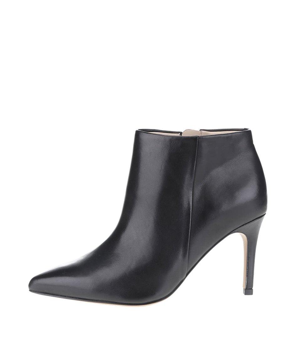 Černé dámské kožené kotníkové boty Clarks Dinah