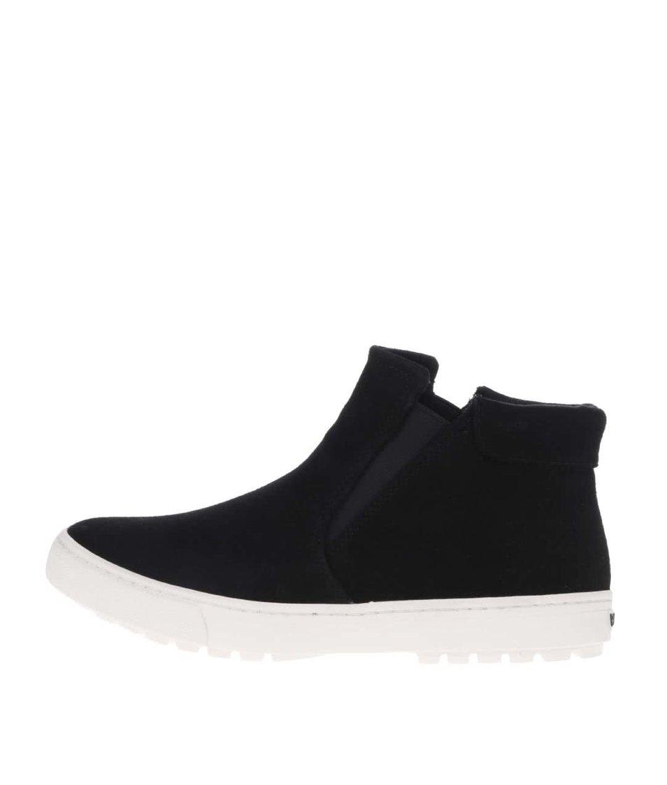 Černé kotníkové boty v semišové úpravě Roxy Juno