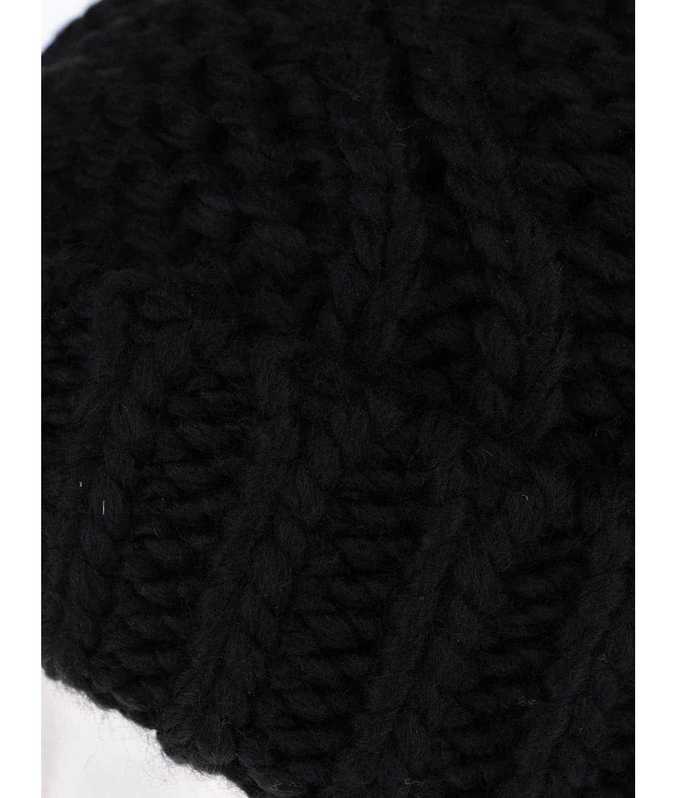 Černá čepice s bambulí ONLY Oda