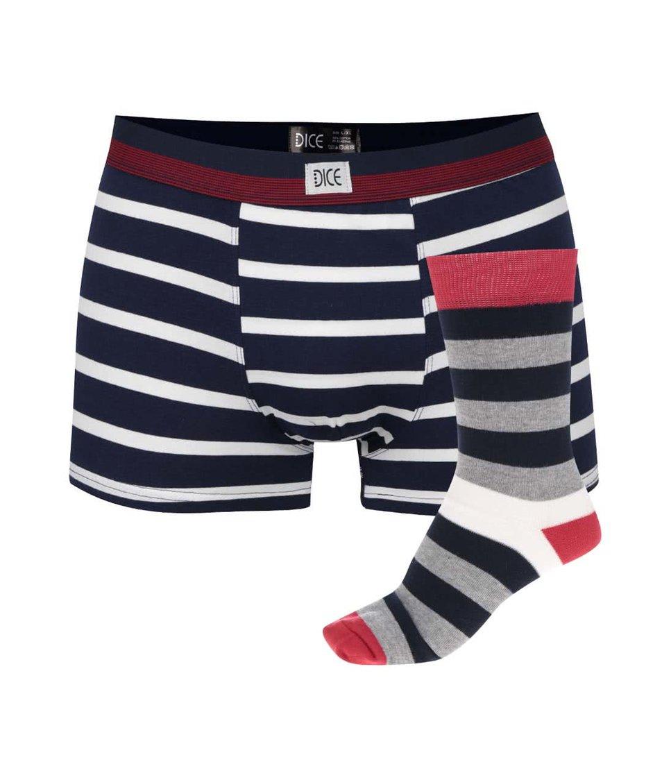 Červeno-modrý dárkový set trenýrek a ponožek Dice