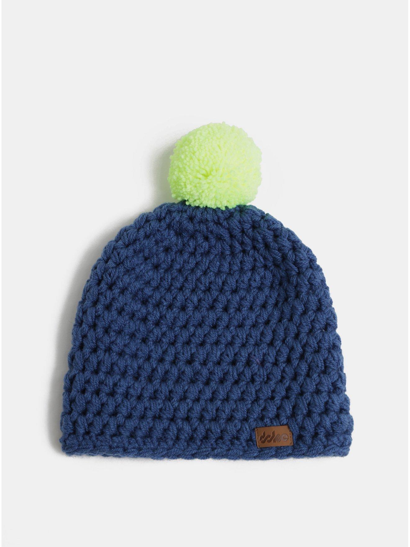 b45e0d8cd94 Tmave modra zimni pletena cepice s bambuli