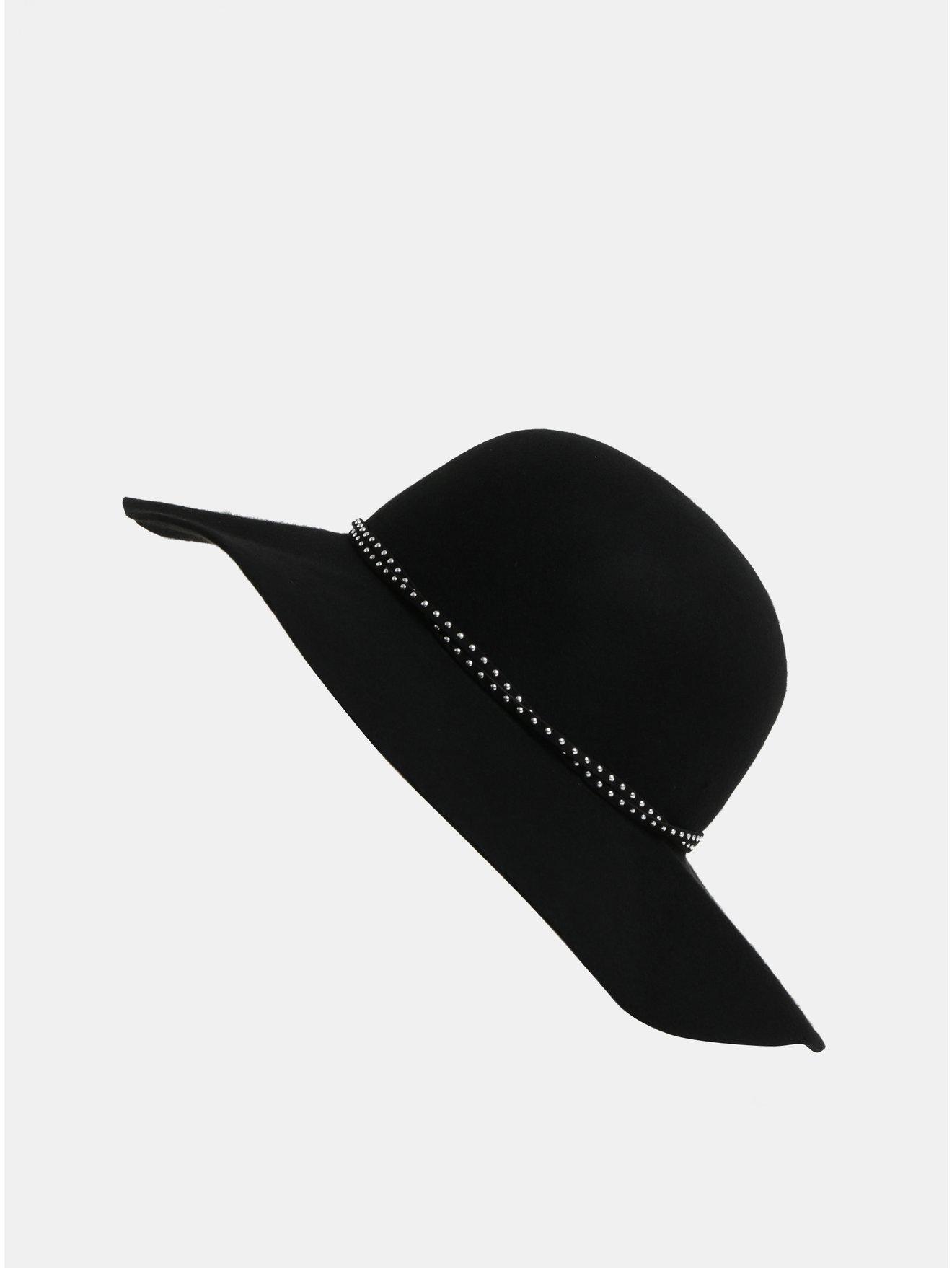 ff175080b Čierny klobúk s detailmi v striebornej farbe Pieces Kabaja