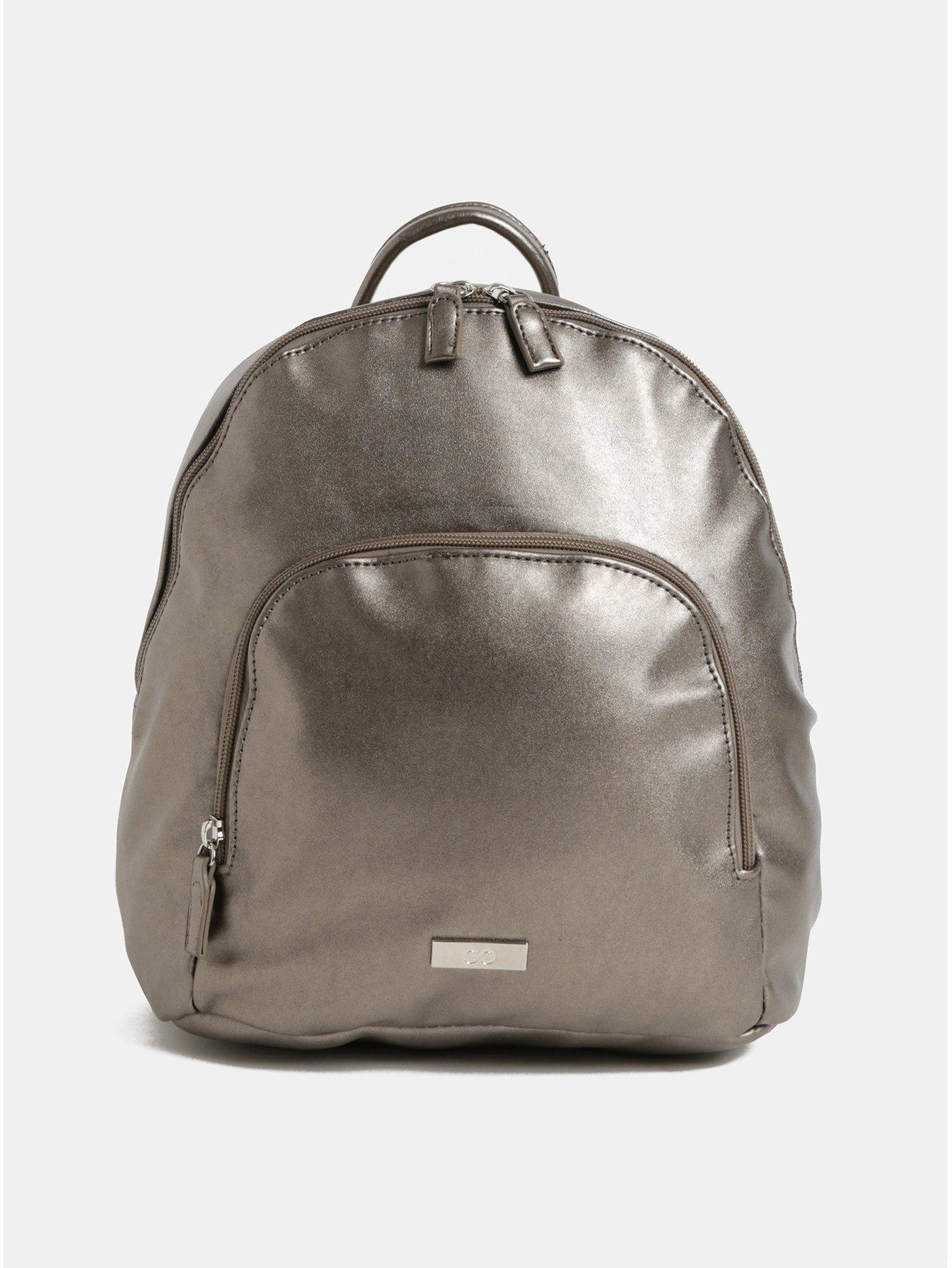 Fotografie Koženkový batoh ve stříbrné barvě s metalickými odlesky a přední kapsou ZOOT