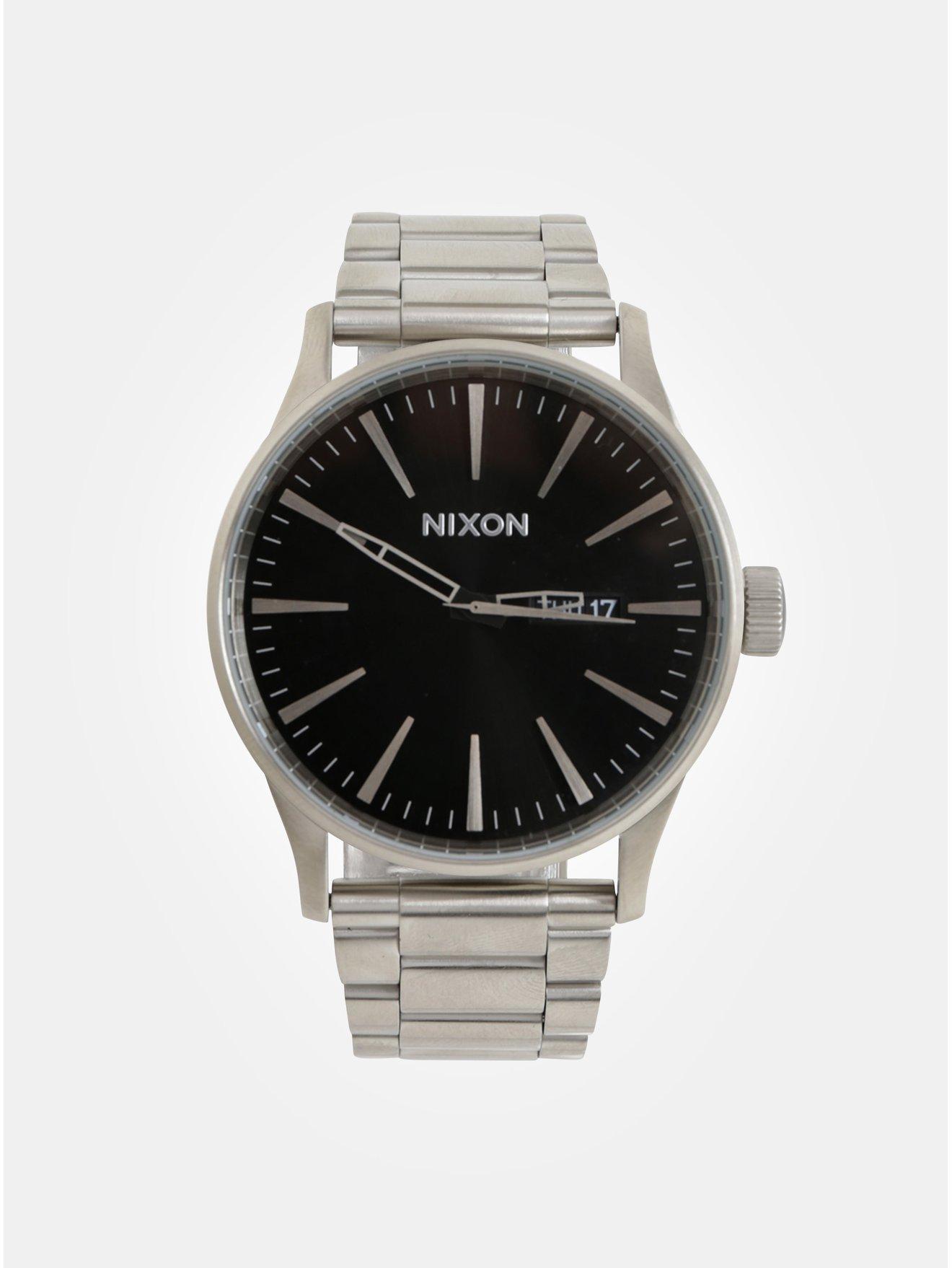 17d7fbd01d2 Pánské hodinky s nerezovým páskem ve stříbrné barvě NIXON