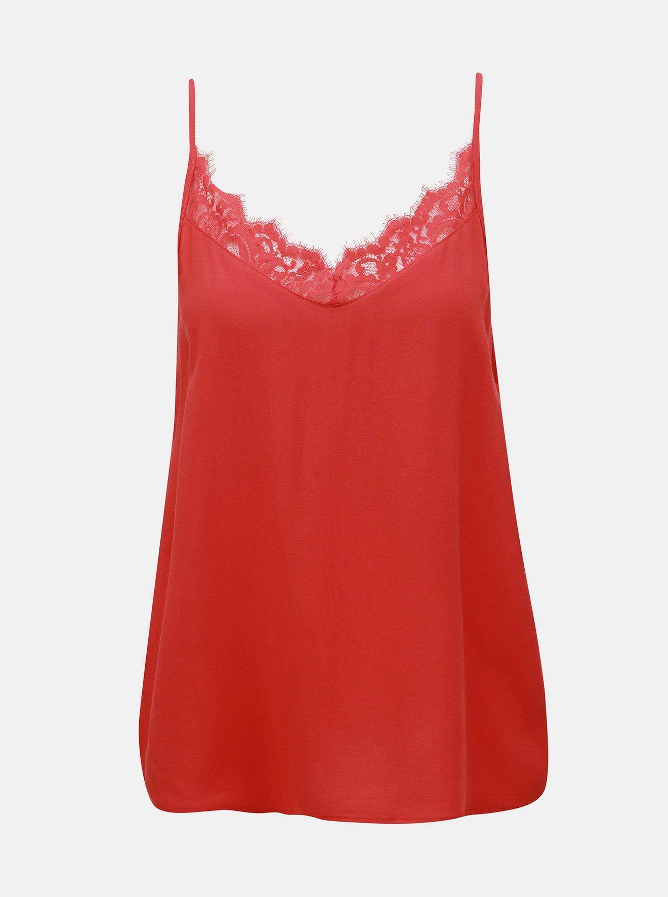 Červený top s krajkou v dekoltu Jacqueline de Yong Fame