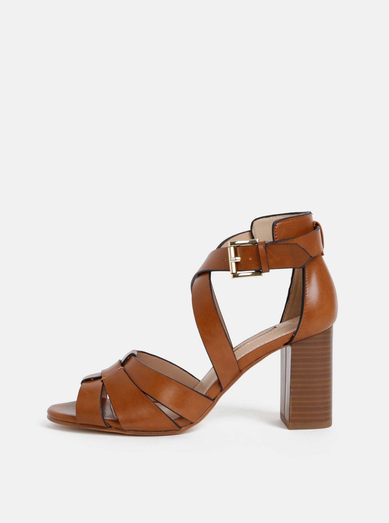 Hnědé sandálky Dorothy Perkins