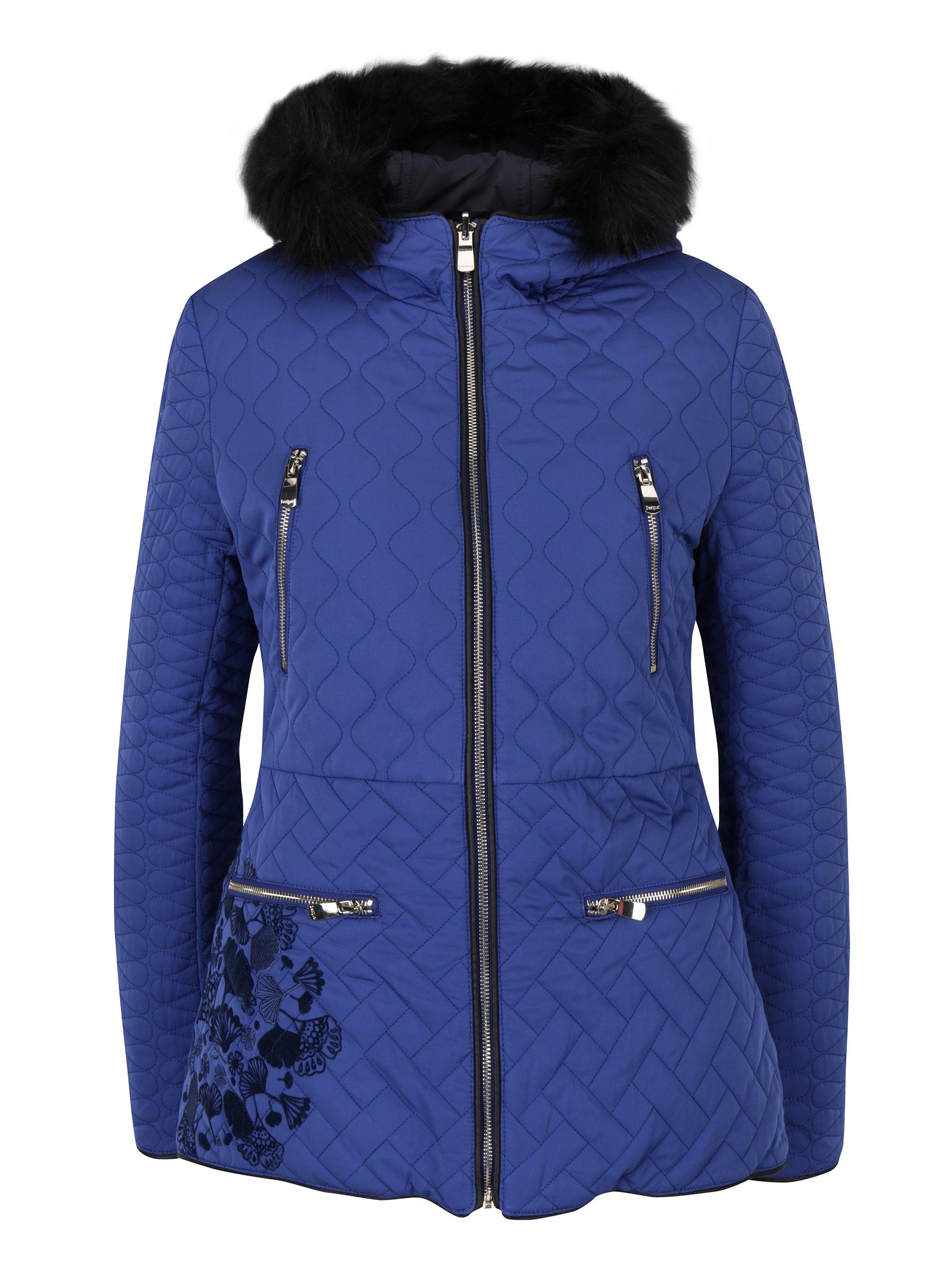 Modrý prošívaný kabát s kožíškem Desigual Fran