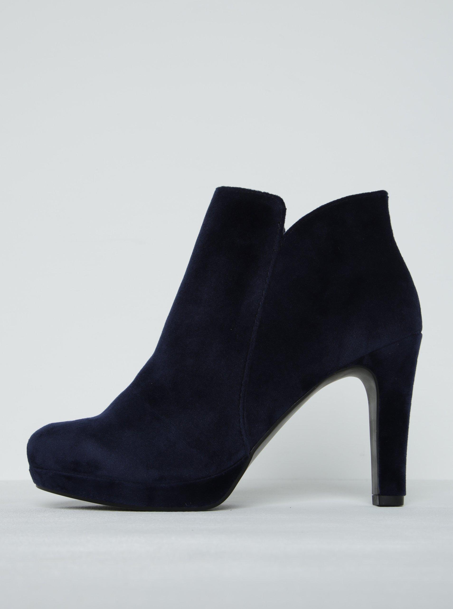 Tmavě modré sametové kotníkové boty na podpatku Tamaris