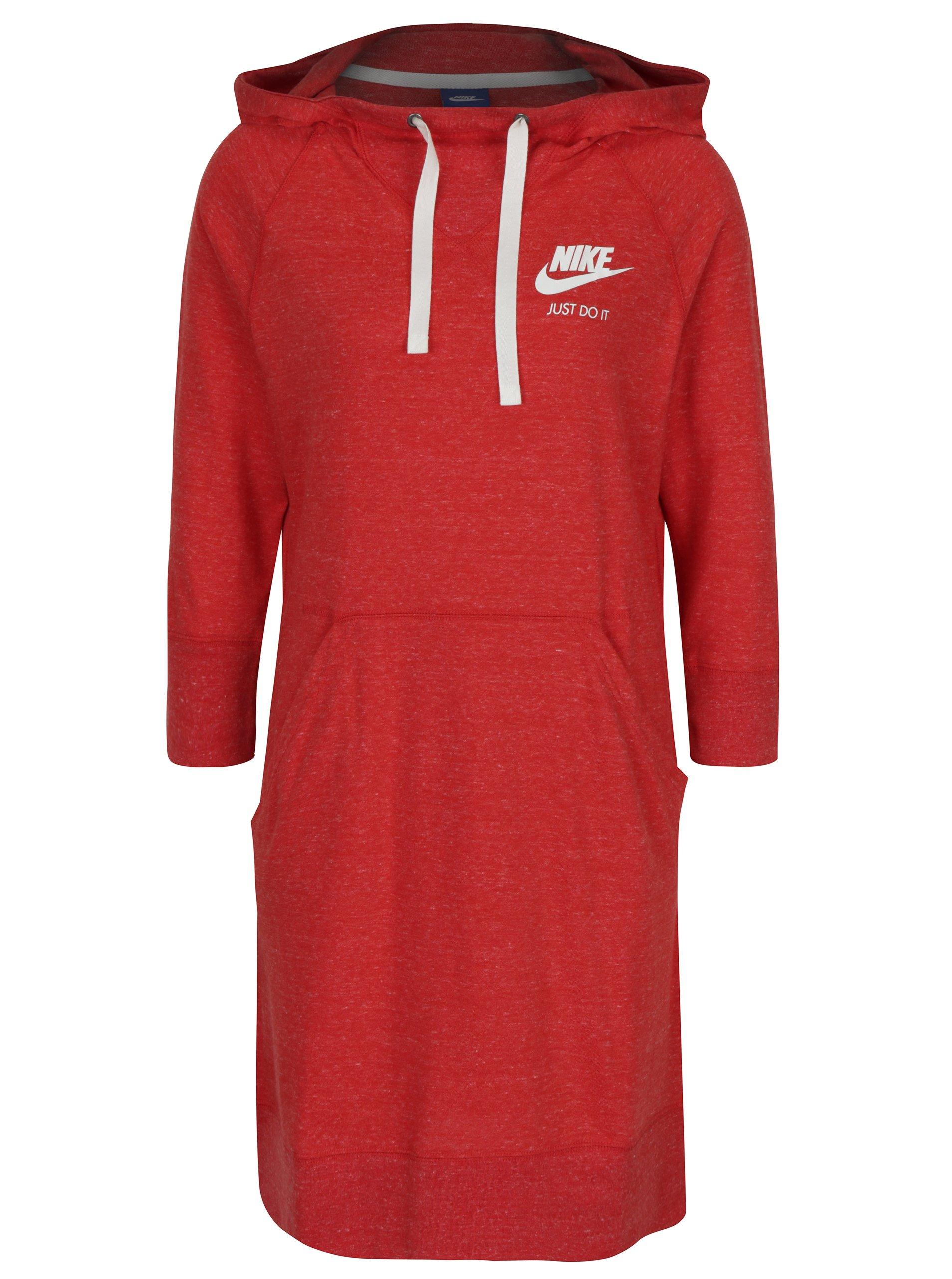 Červené sportovní žíhané šaty s kapucí Nike Sportswear Gym