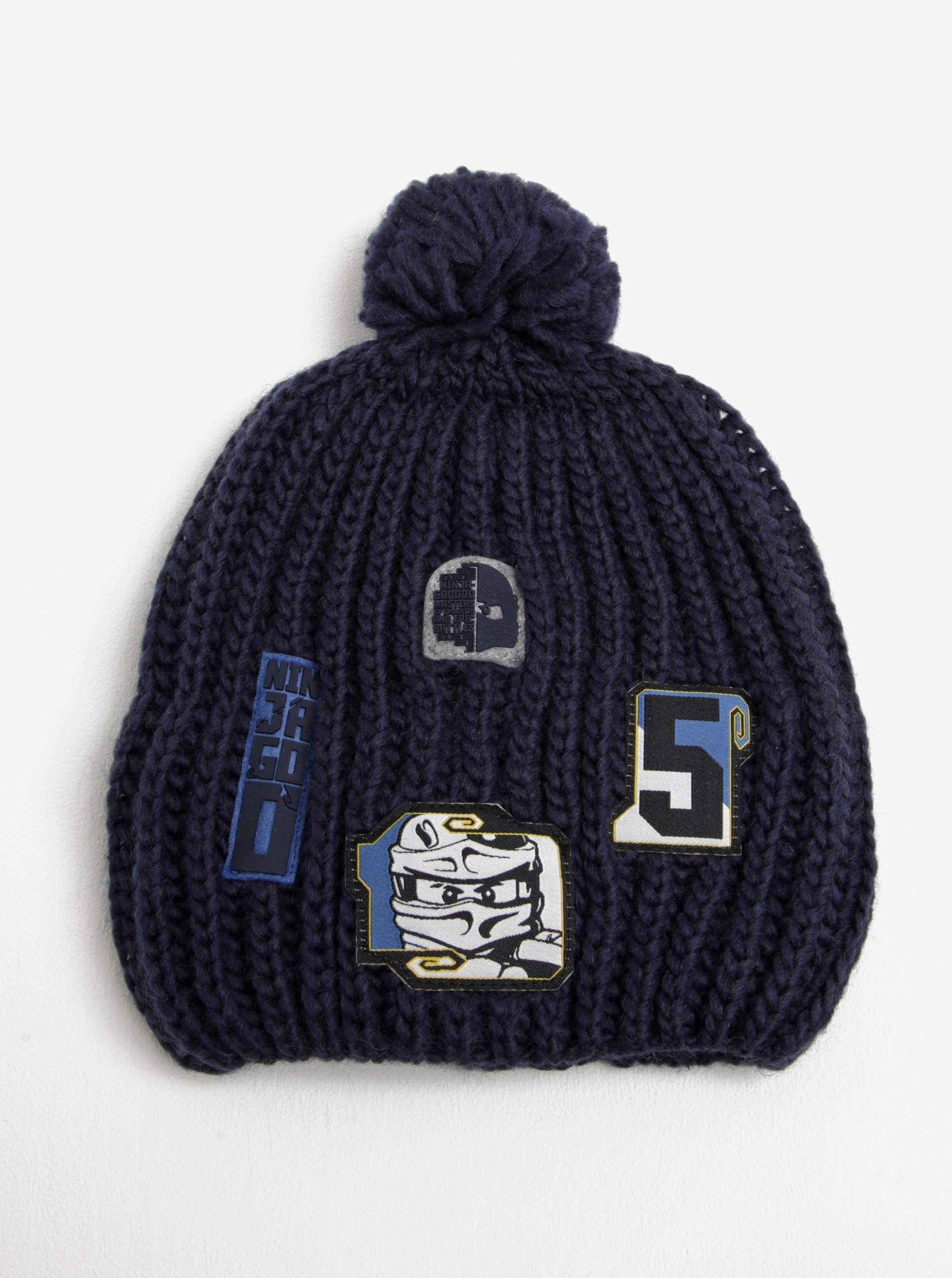 Tmavě modrá klučičí čepice s nášivkami a bambulí Lego Wear Ayan f30e503aca