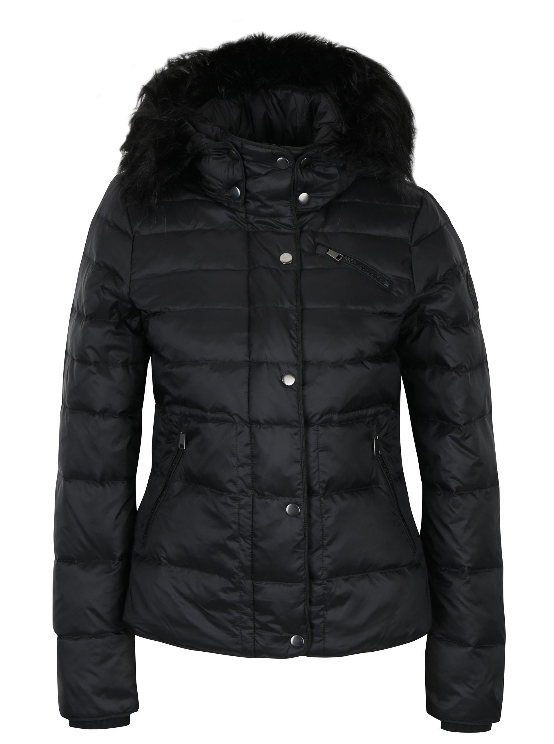 Černá prošívaná péřová bunda s kožíškem VERO MODA Marga